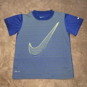 Nike Graphic Tee - Boys